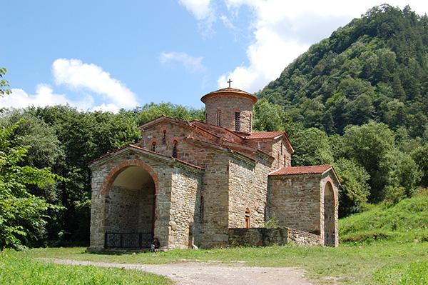 КЧР закрыли детский лагерь при православном храме