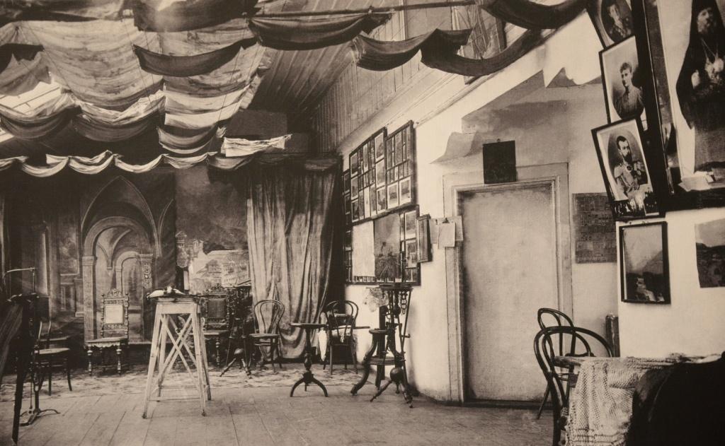 Фотолаборатория на Афоне, снимок начала XX века