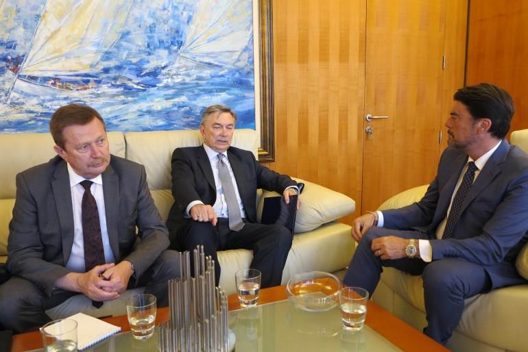 Владимир Кочин, посол Юрий Корчагин и мэр Аликанте
