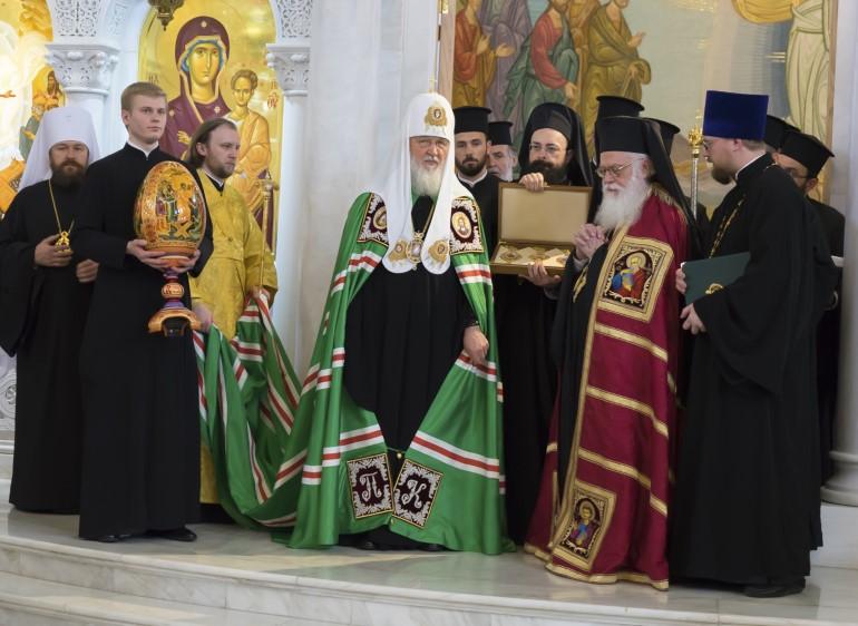 Патриарх Кирилл и архиепископ Анастасий. Фото: Вера Филимонова
