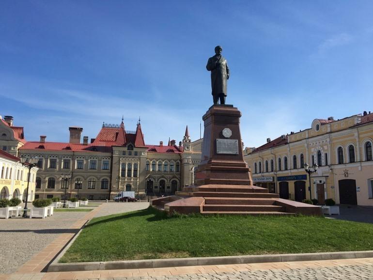 Памятник В. И. Ленину в Рыбинске. Фото автора