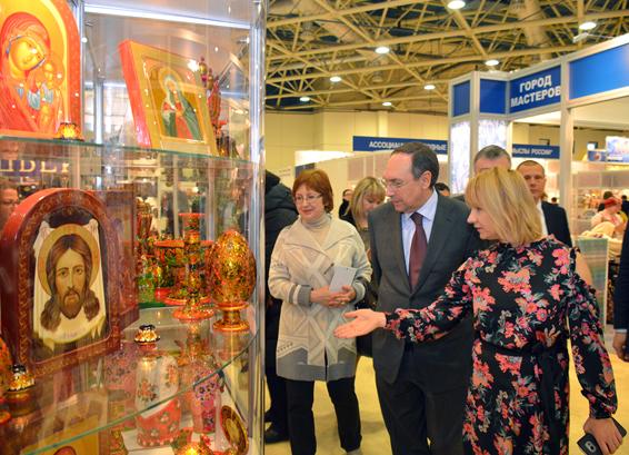 Работы тюменских мастеров подчеркнули дипломами навыставке-ярмарке в российской столице