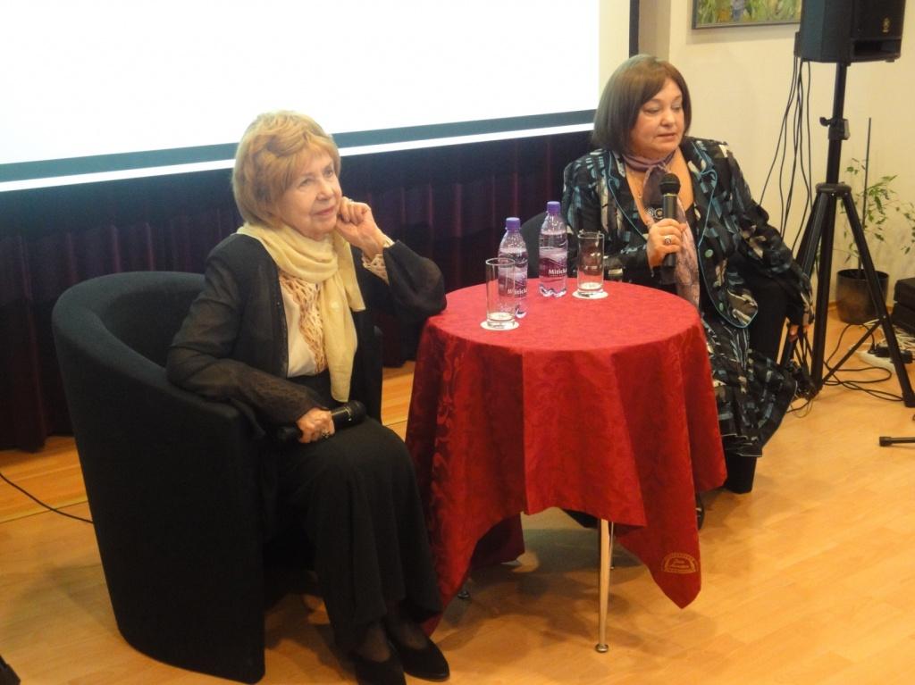 2011 г., творческая встреча с актрисами Инной Макаровой и Натальей Бондарчук. Фото: Татьяна Бушуева