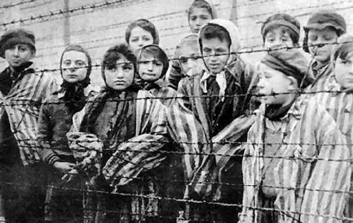 comparing native american genocide to jewish holocaust