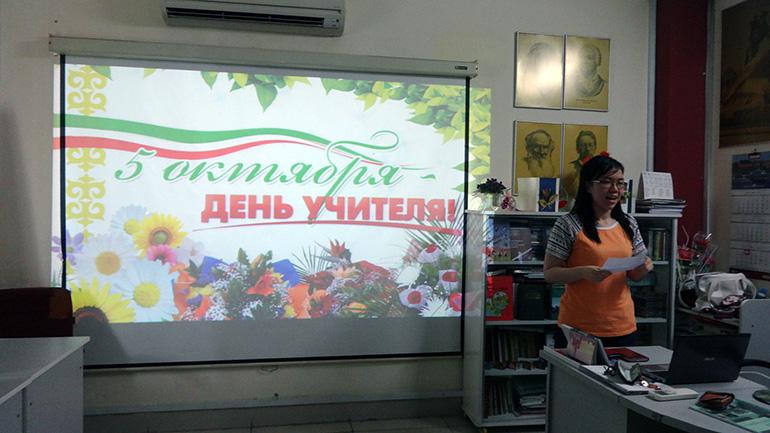 Во Вьетнаме сохраняют российские школьные традиции