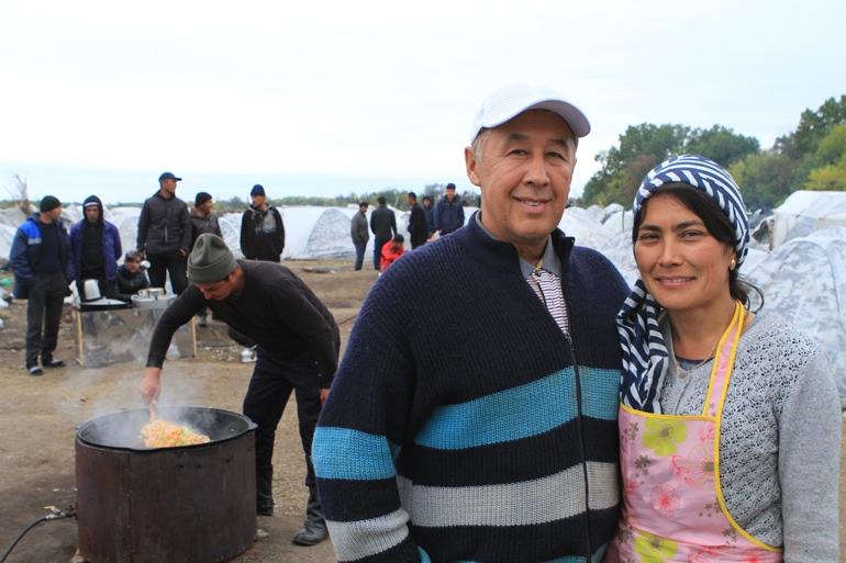 Мурад Турдиев со своей женой Ёкутхон. Фото Людмилы Мельниченко
