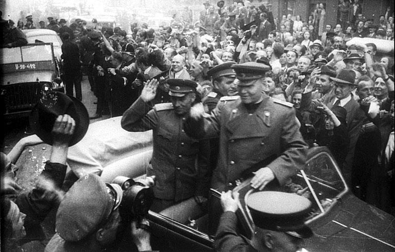Граждане Праги выступили против «корректировки» монумента маршалу Коневу