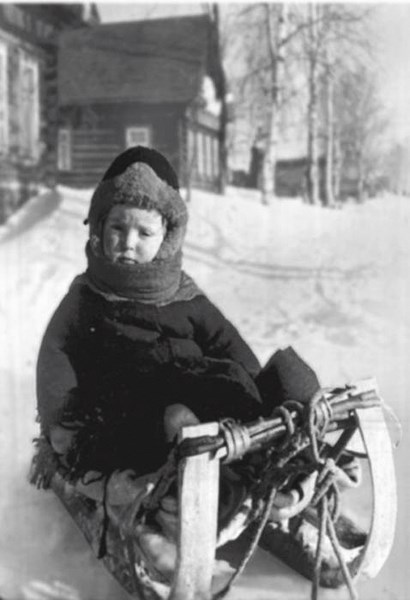 Little Joseph is sledging down the hill / Photo provided by the author